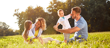 106 - FAMILY OUTDOORS-2